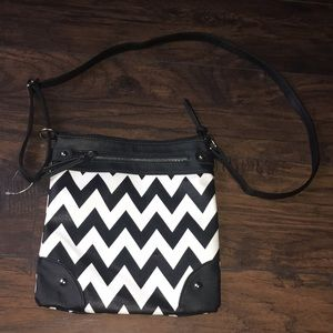 Handbags - NWOT Black and White Crossbody